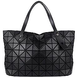 ISSEY MIYAKE 三宅一生BAOBAO皮質三角方格7x12拉鍊托特包(黑)