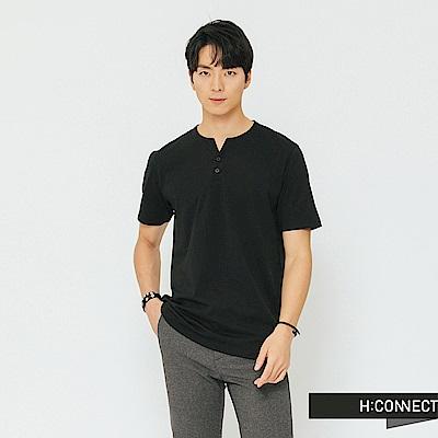 H:CONNECT 韓國品牌 男裝-鈕扣造型素面T-shirt-黑