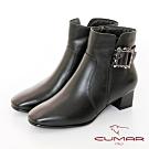 【CUMAR】中性之美簡約方頭金屬裝飾粗跟短靴-黑色