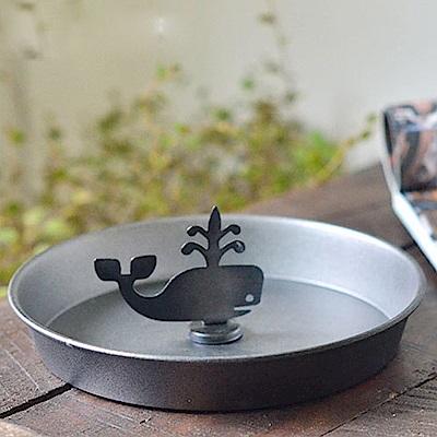 Meric Garden 復古創意手工金屬蚊香盤/薰香盤/小物收納盤(噴水鯨魚)