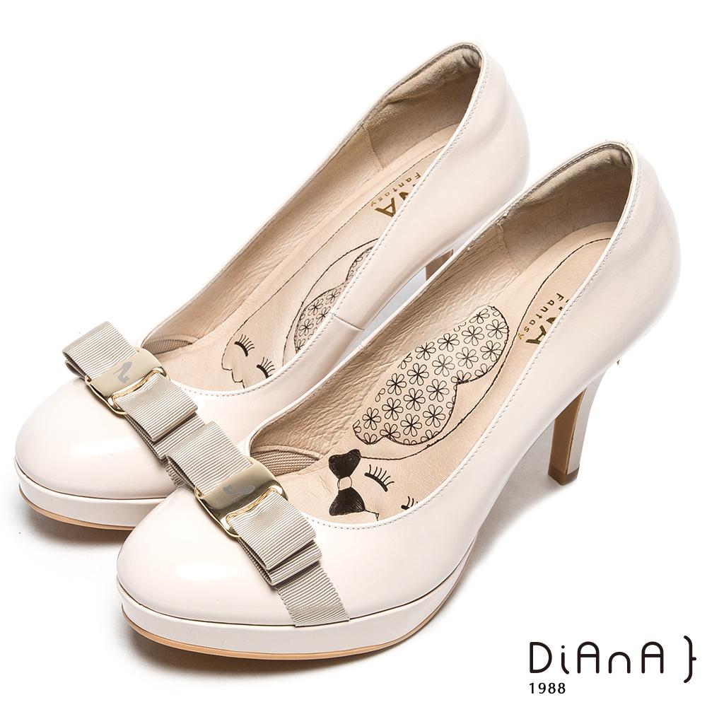 DIANA 漫步雲端厚切瞇眼美人款-立體緞面蝴蝶結跟鞋-米