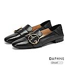 達芙妮DAPHNE 平底鞋-真皮幾何皮釦復古低跟平底鞋-黑
