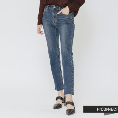 H:CONNECT 韓國品牌 女裝 - 褲管文字刺繡牛仔褲-藍(快)