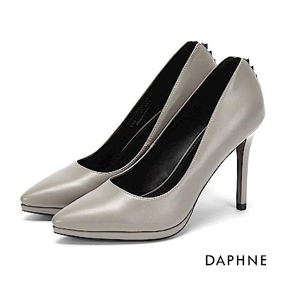 達芙妮DAPHNE 高跟鞋-鉚釘純色素面防水台高跟鞋-灰