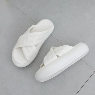 KEITH-WILL時尚鞋館 時尚個性交叉厚底涼拖鞋-白