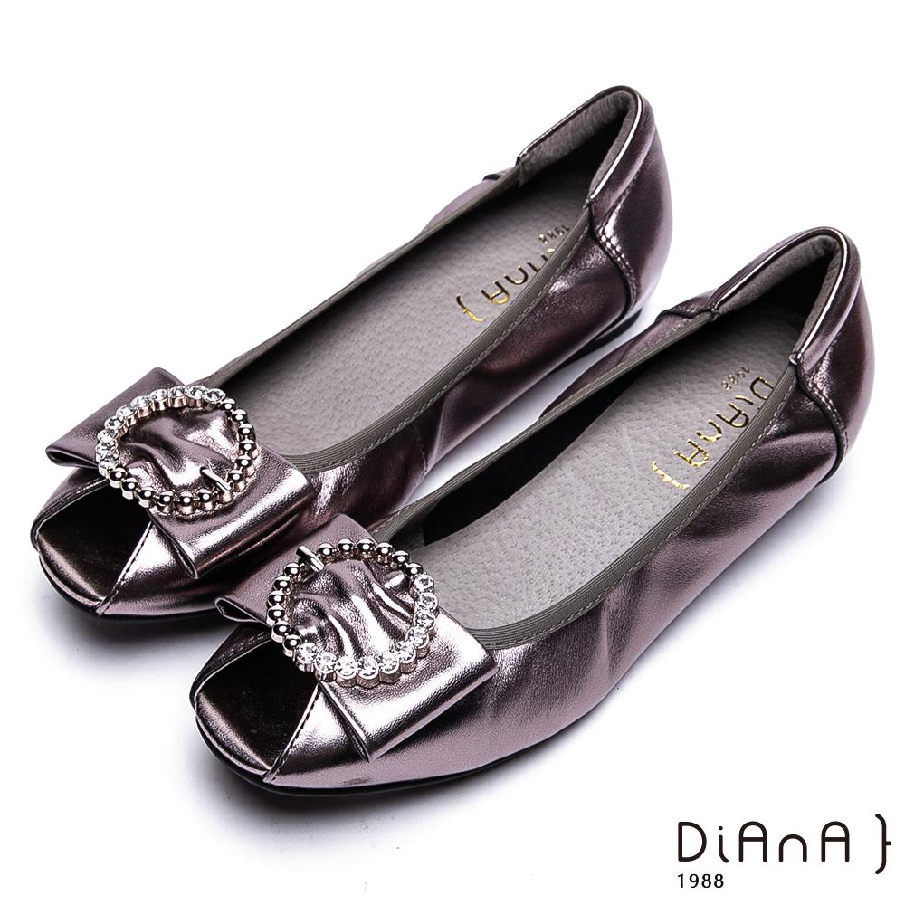 DIANA柔軟羊皮水鑽環釦飾魚口跟鞋-時髦魅力-錫