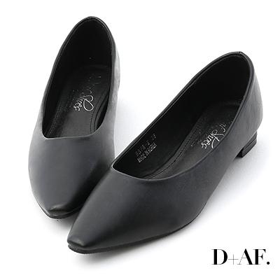 D+AF 純色時尚.素面微尖頭低跟鞋*黑