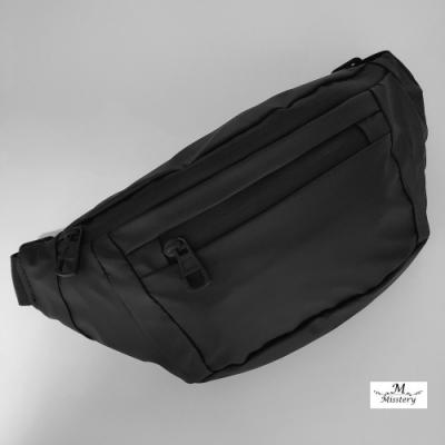 【Misstery】時尚經典斜背側背斜跨功能女用背包(台灣防潑水面料)