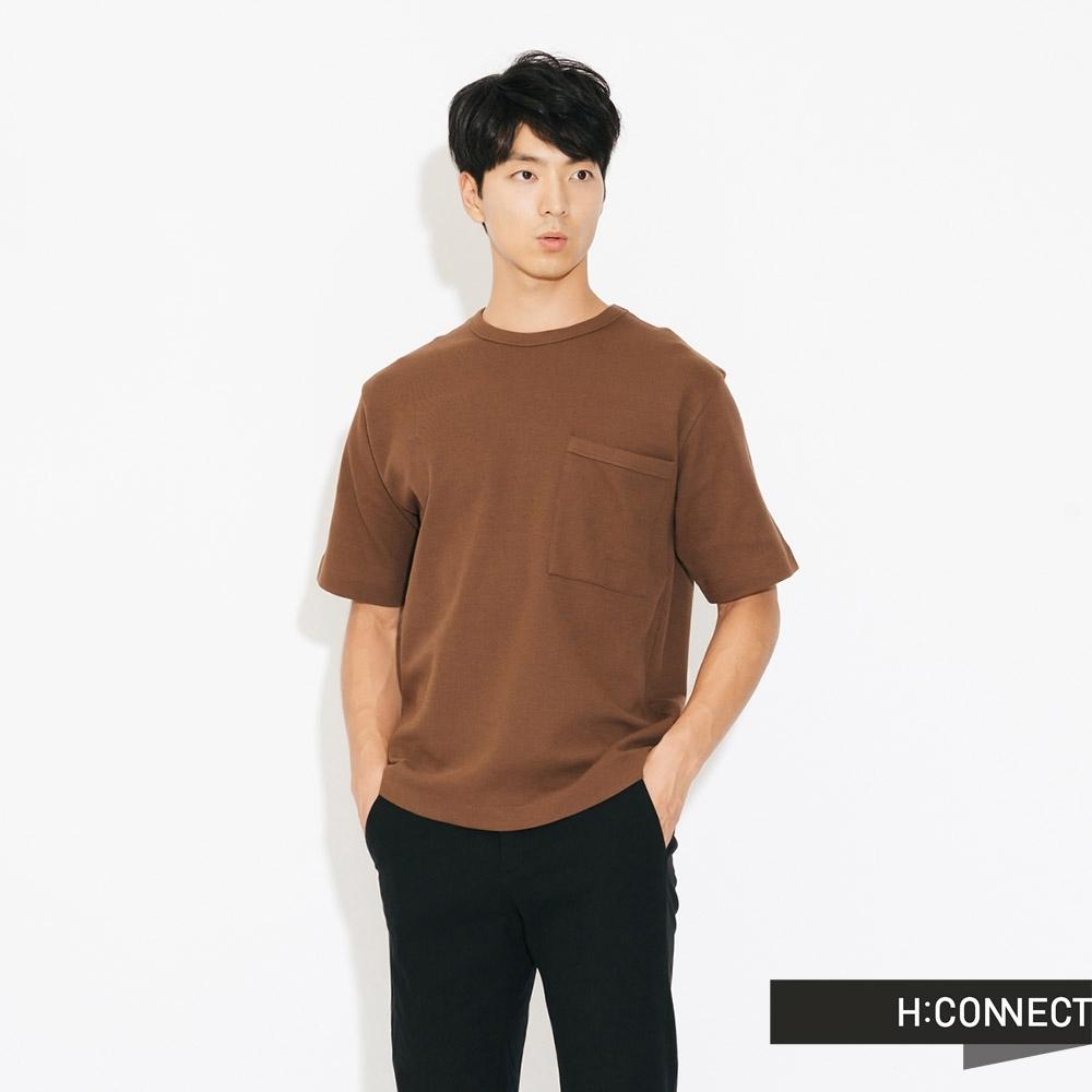 H:CONNECT 韓國品牌 男裝-素面口袋圓領上衣-卡其