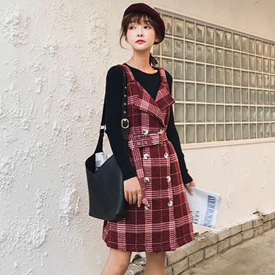 圓領針織上衣+格紋排扣吊帶裙兩件套 (紅色)-Kugi Girl