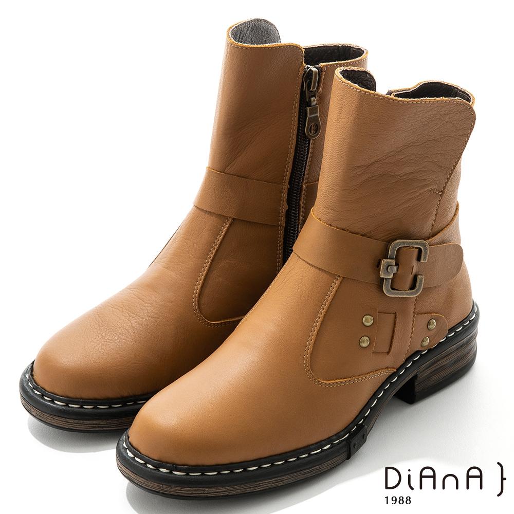 DIANA 4.5cm 質感牛皮鉚釘皮帶環踝釦飾工程靴-率性自我-棕