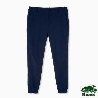 Roots男裝-簡約設計束口褲-藍色