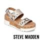 STEVE MADDEN-BRENDA 蛇皮金屬扣環跳色厚底涼鞋-金色 product thumbnail 1