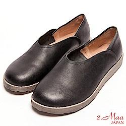 2.Maa-真皮復古素面寬頭厚底包鞋-黑