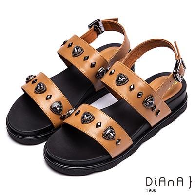 DIANA 歐美時尚-菱形鉚釘立體水鑽涼鞋-棕