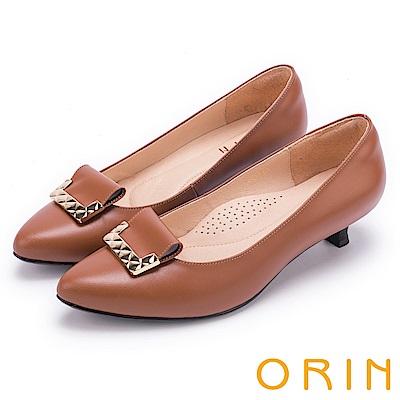 ORIN 典雅時尚女人 菱格金屬片妝點羊皮低跟鞋-棕色