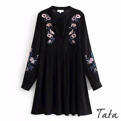 V領花刺繡洋裝 TATA