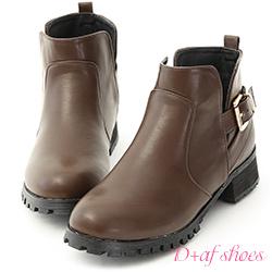 D+AF 率性風貌.金釦側挖空低跟短靴*咖