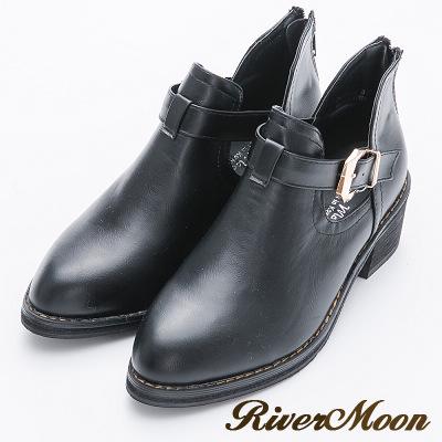 River&Moon大尺碼-鏤空皮帶扣粗跟短靴-黑