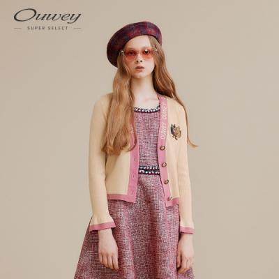 OUWEY歐薇 貓咪貼布繡LOGO針織上衣(黑/米)