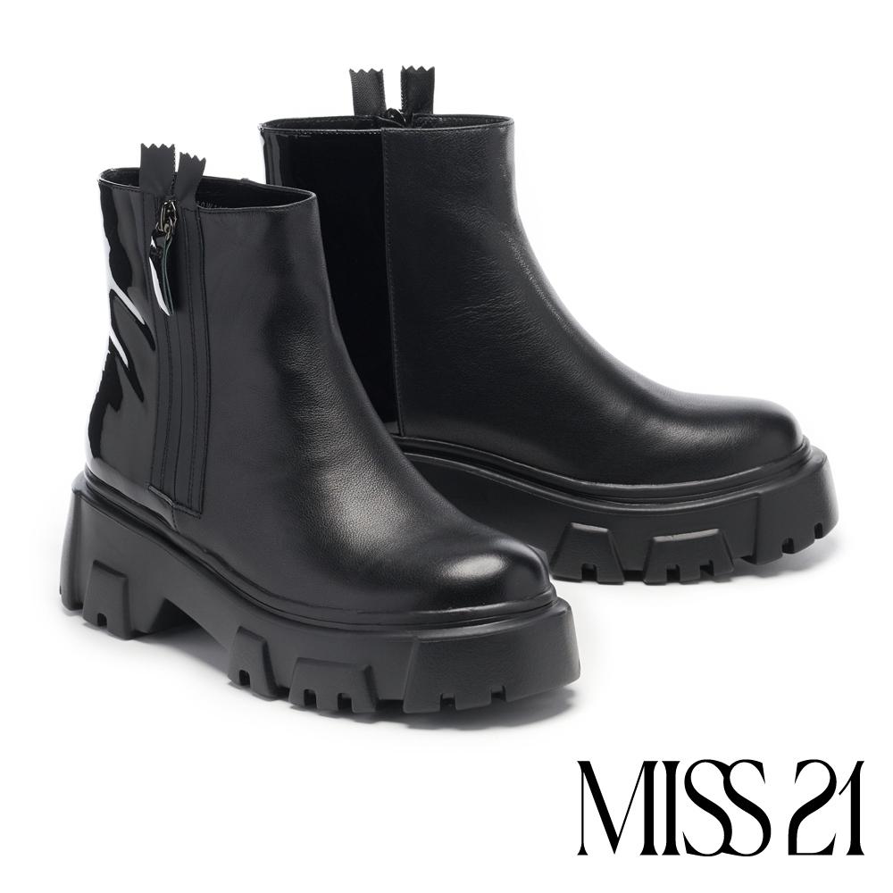 短靴 MISS 21 街頭個性側拉鍊拼接厚底休閒短靴-黑