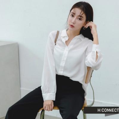 H:CONNECT 韓國品牌 女裝 -柔軟純色排扣襯衫-白