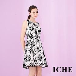 ICHE 衣哲 時尚3D立體提花印花挺版修身設計傘擺禮服洋裝-黑