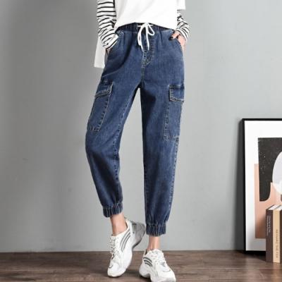 La Belleza鬆緊腰布抽繩大腿側貼口袋褲腳縮口牛仔褲