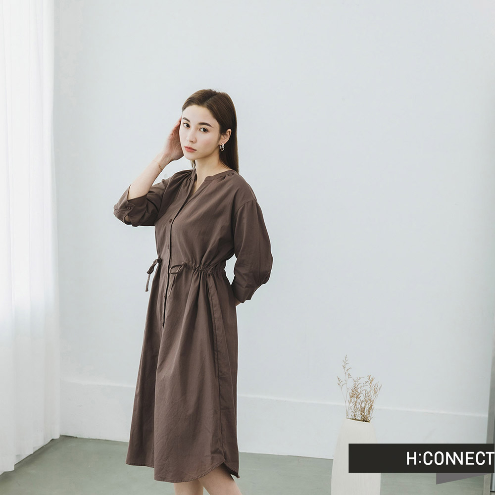H:CONNECT 韓國品牌 女裝 -排扣縮腰綁帶洋裝-咖啡色