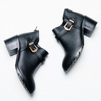 River&Moon短靴-側V口皮帶扣粗跟短靴 黑
