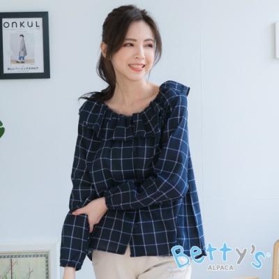 betty's貝蒂思 彈性荷葉領口格紋棉麻上衣(藍黑)