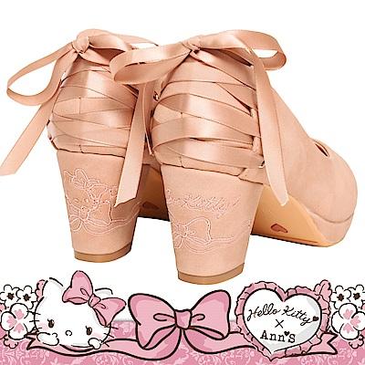 HELLO KITTY X Ann'S LADY美人後跟不對稱刺繡馬甲綁帶粗跟鞋