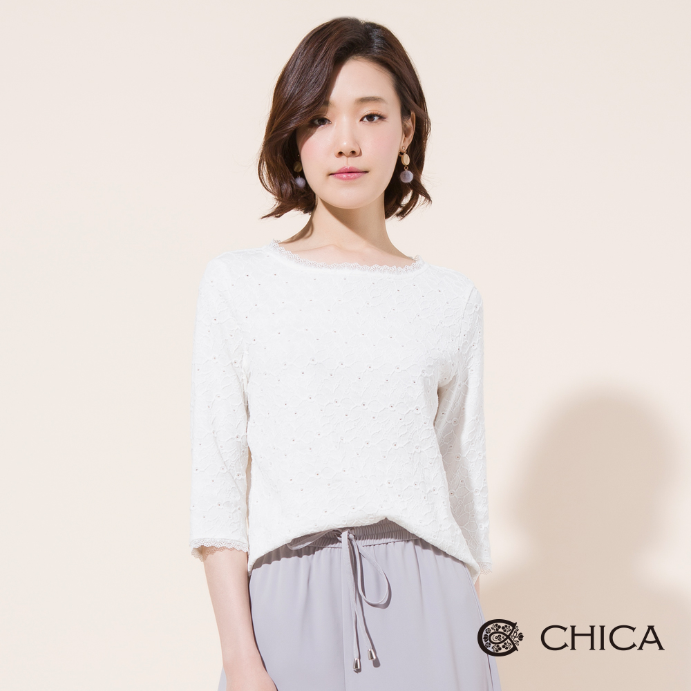 CHICA 浪漫奇想緹花蕾絲七分袖上衣(2色)