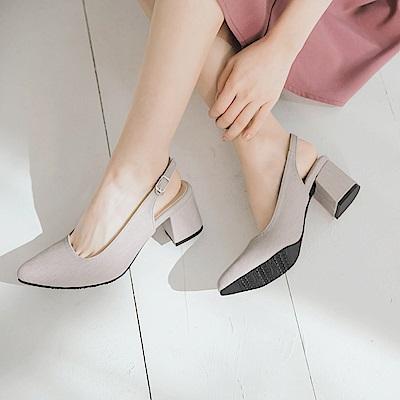 台灣製造~金屬釦繫帶尖頭仿皮革跟鞋-OB大尺碼