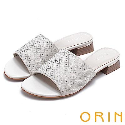 ORIN 魅力新時尚 寬版一字布面燙鑽低跟拖鞋-米白