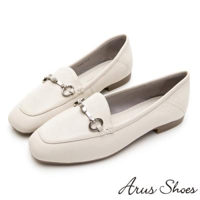 Arus-質感小姐姐金釦真皮英倫平底鞋-米色