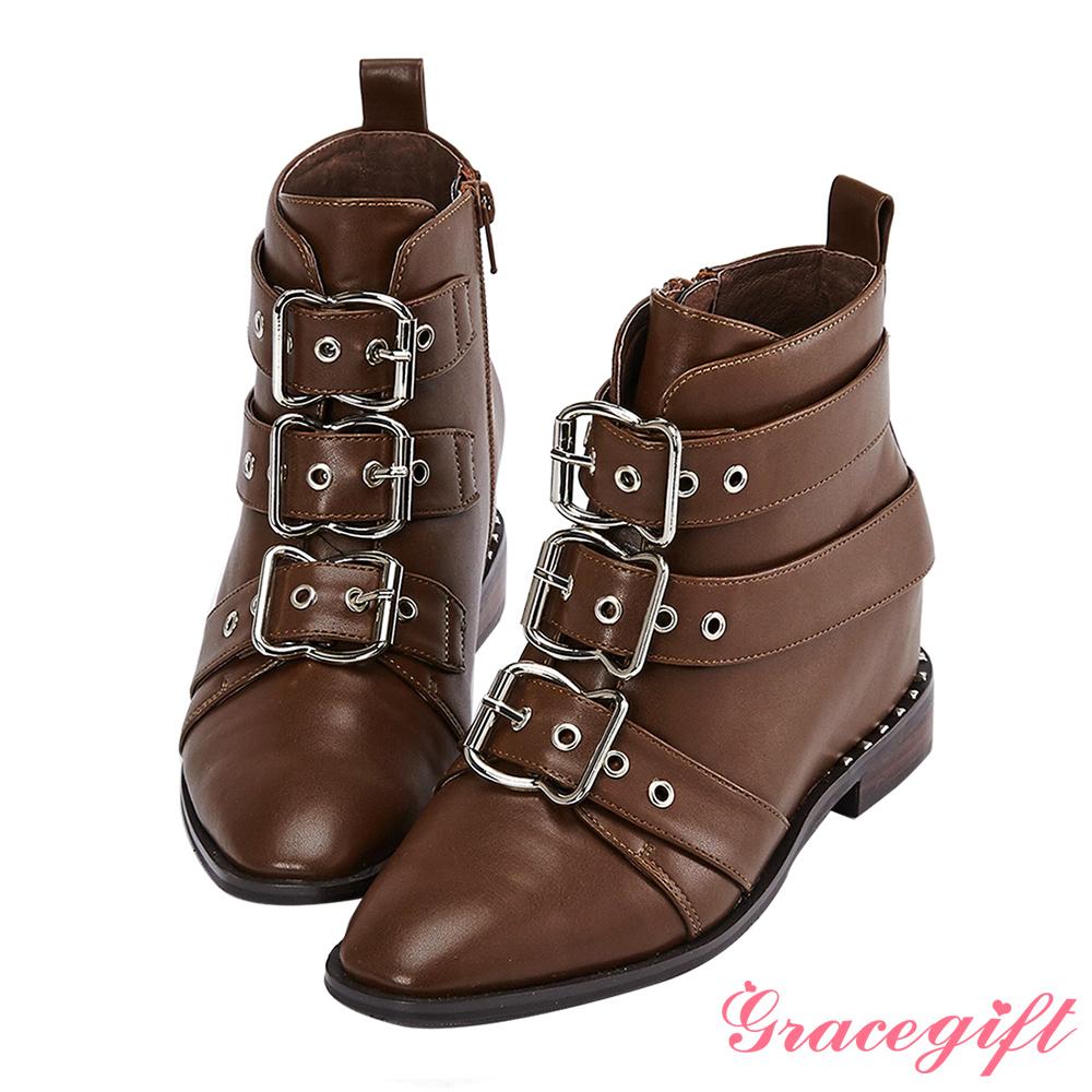 Grace gift X Wei唐葳-帶釦鉚釘內增高短靴 咖