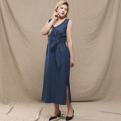 AIR SPACE LADY 中大尺碼 簡約綁結輕丹寧無袖洋裝(藍)