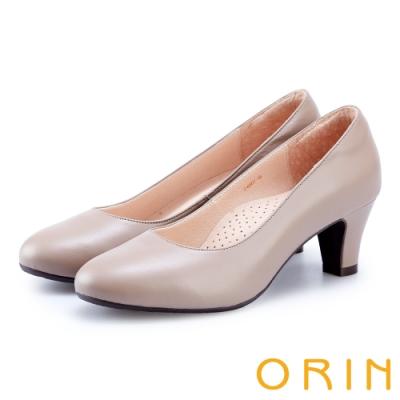 ORIN 輕熟魅力 柔軟羊皮素面中跟鞋-可可