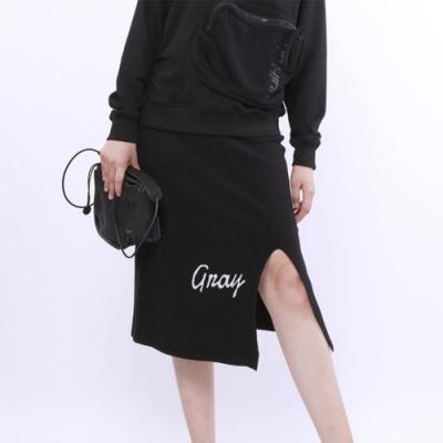 設計所在Style-簡約鬆緊腰字母勾花顯瘦毛織開叉包裙