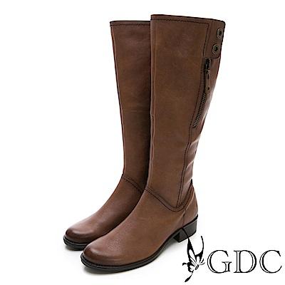 GDC-牛皮美西率性挺版長靴-可可色