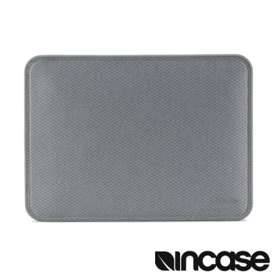Incase ICON MacBook Pro 15 吋(USB-C) 磁吸內袋 -鑽石銀