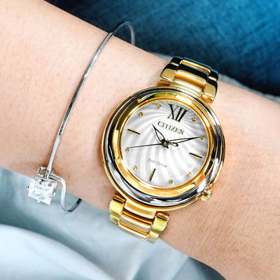 CITIZEN  L 光動能珍珠母貝不鏽鋼手錶-銀x鍍金/30mm