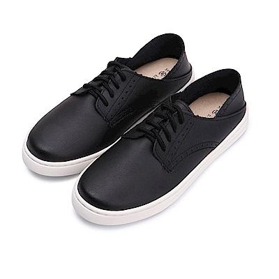 BuyGlasses 真皮壓洞造型綁帶休閒鞋-黑