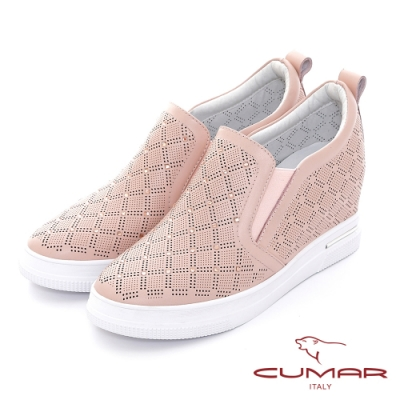 【CUMAR】清爽感沖孔打洞內增高休閒鞋-粉紅