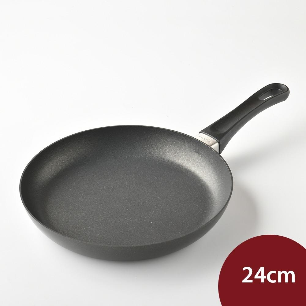 丹麥SCANPAN CLASSIC 不沾平底煎鍋 24cm 電磁爐不可用