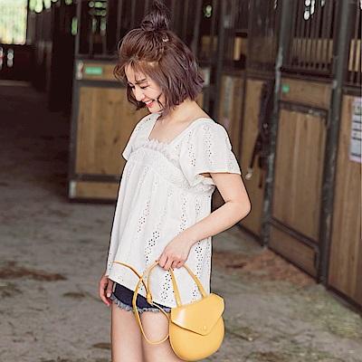 iMODA STAR-臧芮軒。高含棉滿版鏤空蕾絲美背設計連袖上衣