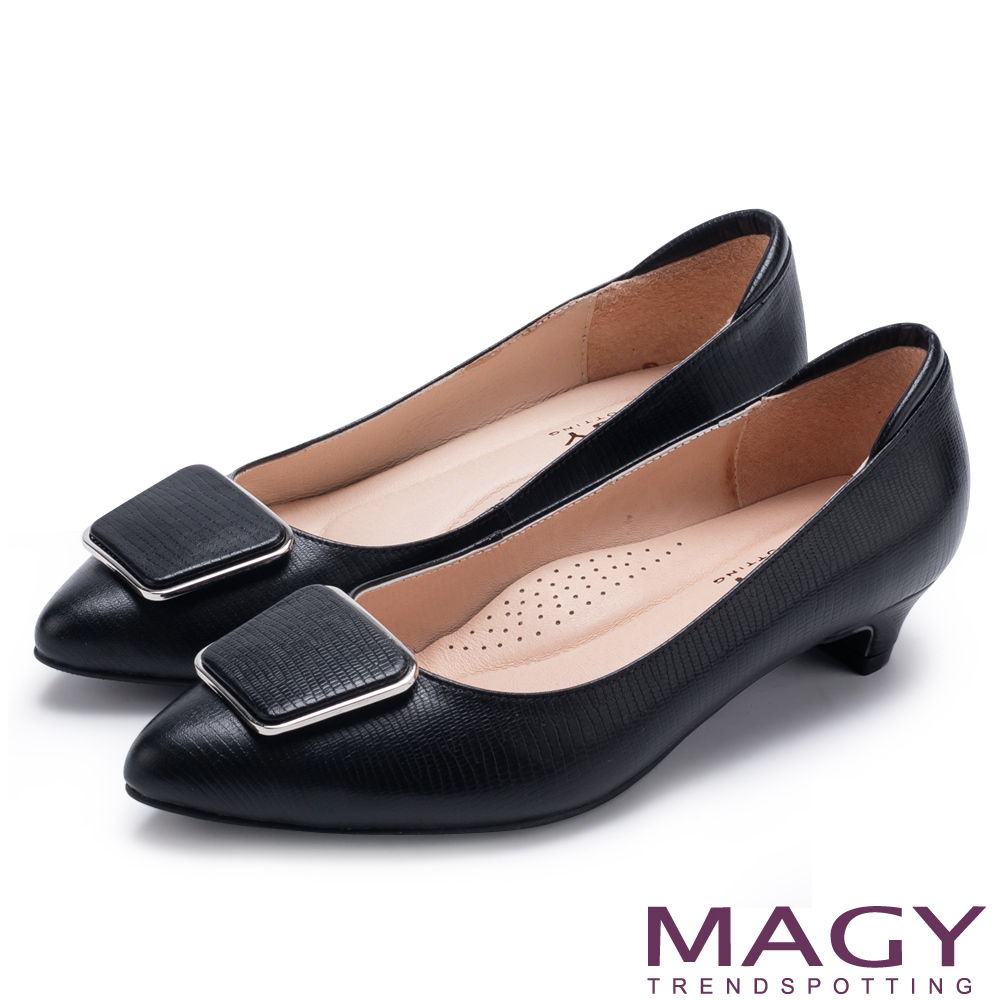 MAGY 金屬方釦蜥蜴牛皮尖頭 女 低跟鞋 黑色