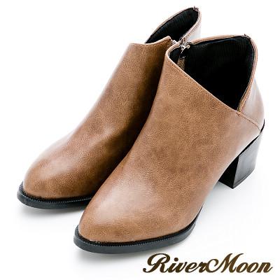River&Moon短靴-完美顯瘦側V微尖頭粗跟短靴-卡其棕