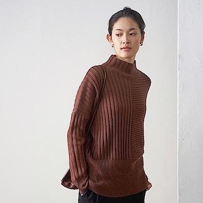 旅途原品_心念_原創設計時尚煙囪領拼接羊毛毛衣-深棕色
